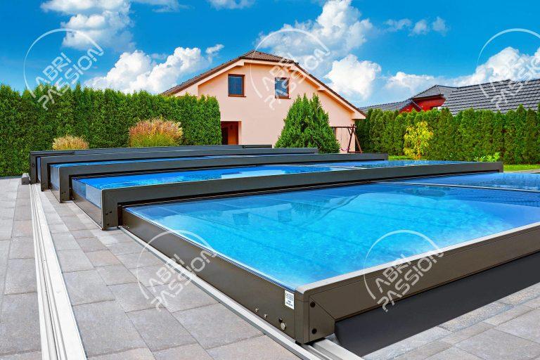 abri de piscine rétractable plat modèle platinium