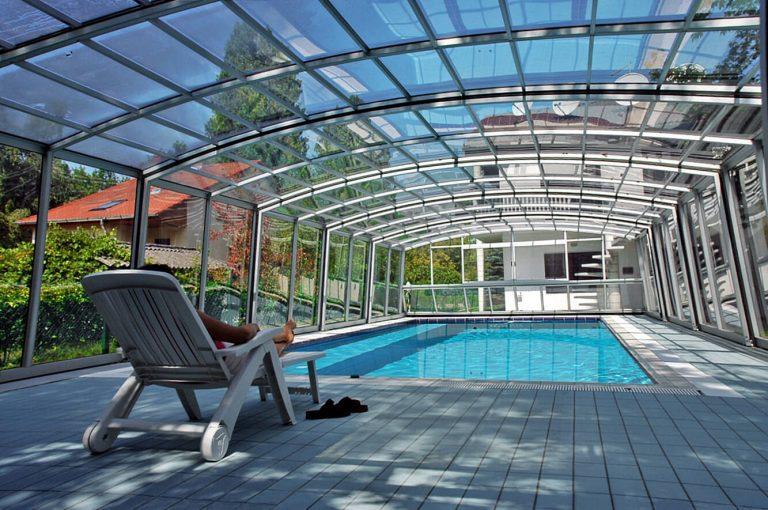 abri de piscine rétractable haut modèle venezia